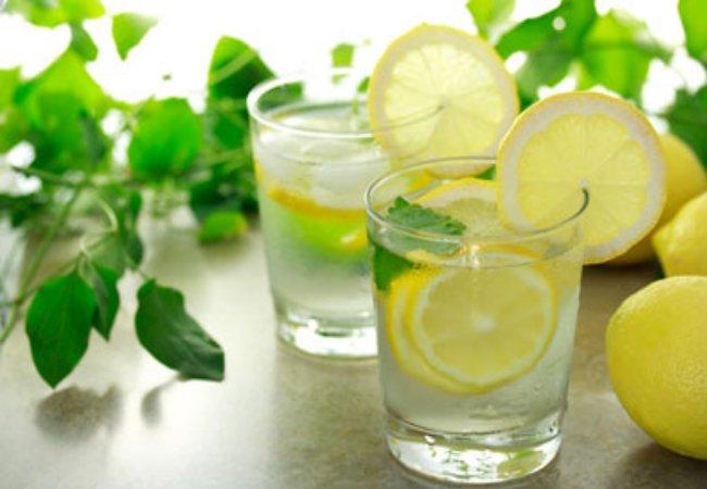 Bea apa cu lamaie in loc de pastile dacă ai una dintre aceste probleme de sanatate!