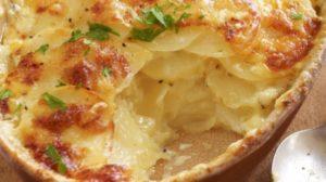 Cartofi cu usturoi si smantana la cuptor. O reteta usoara rapida si deliciosa