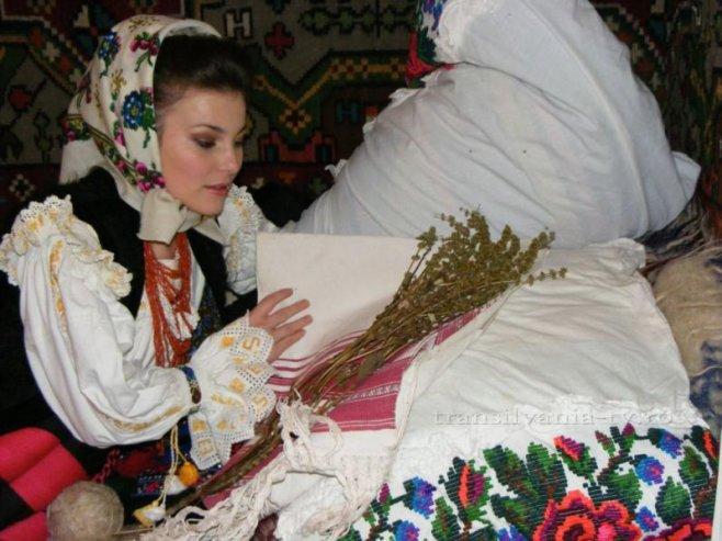 Tradiţii şi superstiţii de Sf. Andrei. Ce trebuie fetele să facă pentru a-şi visa ursitul