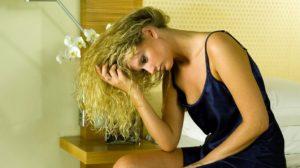 Îți cade părul?  Reţeta ieftina si naturala pentru stopare caderii parului si accelerarea regenerarii lui