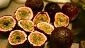 Fructul pasiunii (maracuja), istorie și beneficii . Contine vitamina A, esențială pentru sănătatea vederii
