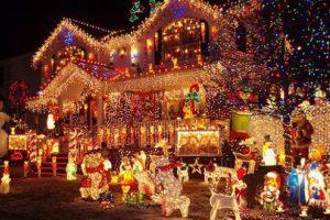 Cea mai decorată casă de Crăciun: a instalat peste 1.500.000 de luminițe