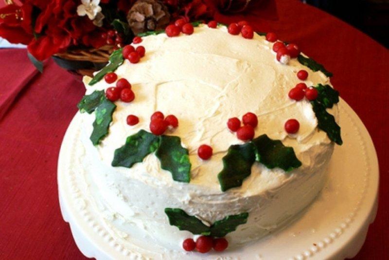 FOTO si VIDEO ! Idei inedite pentru a va orna tortul de Revelion