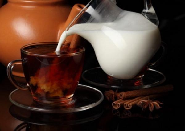 Ceai pentru tuse și raceala din SCORȚIȘOARĂ, CUIȘOARE și LAPTE