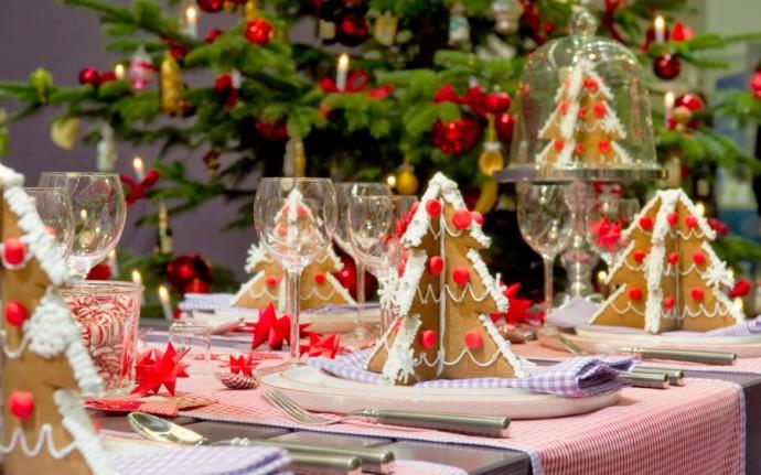 Cum să aranjezi festiv masa de Revelion
