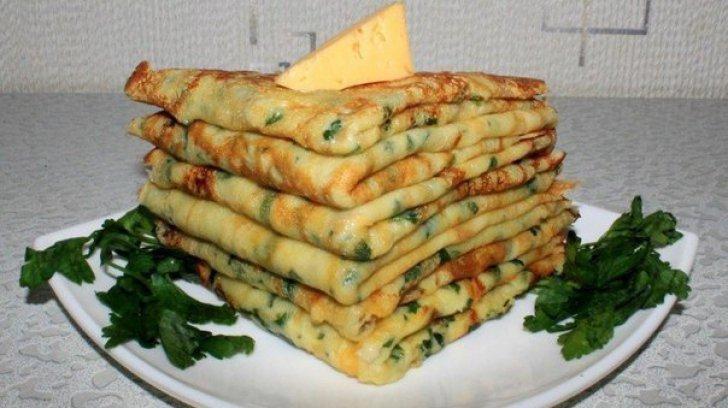 Clătite cu verdeață și cașcaval. Delicioase şi uşor de preparat