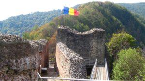 Cetatea Poenari, cetatea lui Vlad Tepes din Muntii Argesului, un loc de poveste