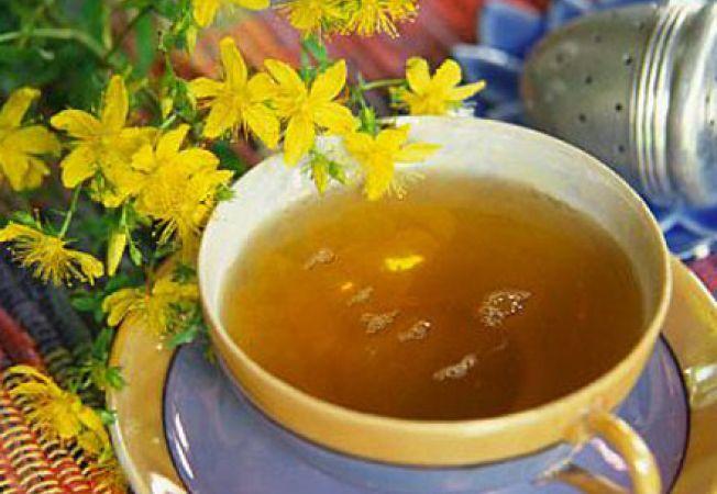Beneficiile ceaiului de sunătoare: Cum să scapi de depresie și insomnii