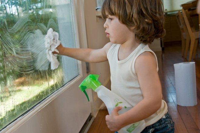 Vreți ca geamurile să fie curate și strălucitoare? Țineți seama de aceste sfaturi!