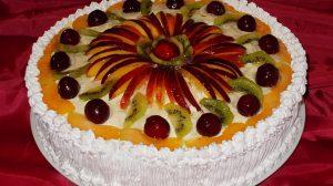 Tort Diplomat cu fructe. Delicios ce se poate prepara cu fructe la alegere