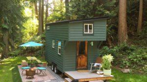 Aceasta casa micuta are chiar si un spatiu pentru oaspeti