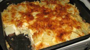 O delicioasă rețetă pentru cina– Cartofi cu brânză la cuptor