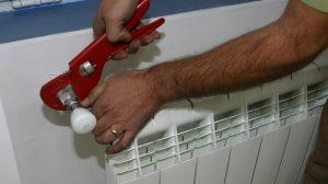 Acum nu mai este niciun secret! Toată lumea trebuie să afle! Iată cum poți să plătești mai puțin pentru căldura din casă iarna asta!