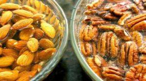 Află de ce este foarte important să hidratăm nucile, sâmburii și semințele înainte de a le consuma