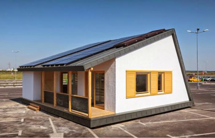 Casă construită de arhitecți români care nu are nevoie de gaze sau curent electric. Cât costă o astfel de casă si ce avantaje are