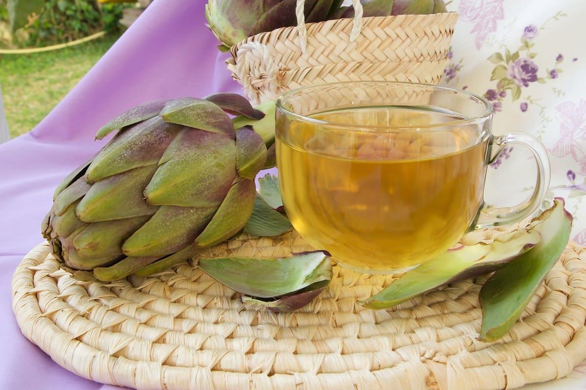 Ceaiul de anghinare – Această plantă cu proprietăți medicinale in tratarea icterului, dispepsiei şi afecţiunilor urinare