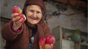 Tu îți amintești ce le datorezi bunicilor?