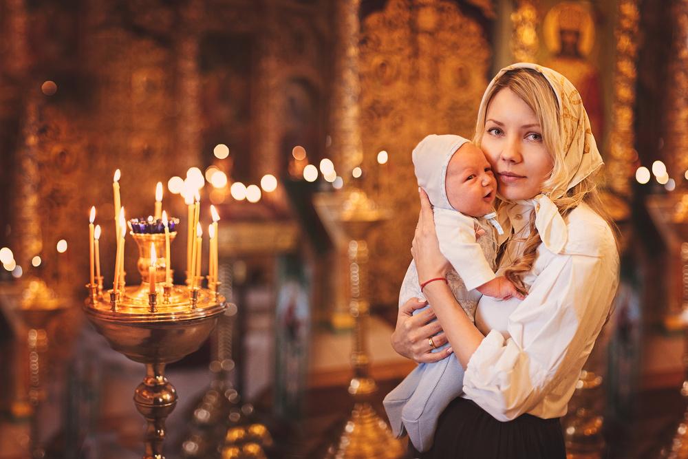 Când o mamă se roagă pentru copiii ei, Dumnezeu ascultă, îngerii păzesc și au loc adevărate miracole