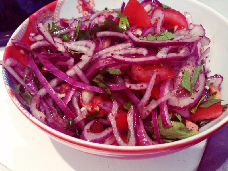 Una dintre cele mai bune Salate pentru slăbit – iată cum se prepară, pas cu pas