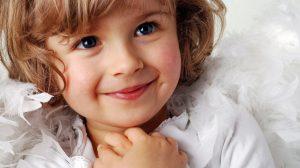 """""""Eu știu de ce Dumnezeu nu ți-a dat atât de mult timp un copil"""" – mi-a spus fiica mea de 3 ani. Explicația ei m-a zdruncinat cumplit…"""