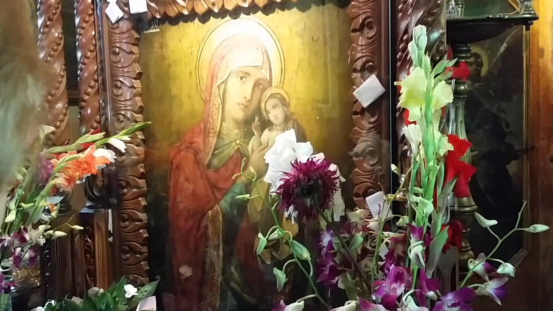 Fenomen inexplicabil în România. După ce au intrat în această biserică, mii de oameni s-au vindecat de diverse boli