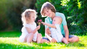 Cercetările spun că primul născut, dintre copii, este mai inteligent
