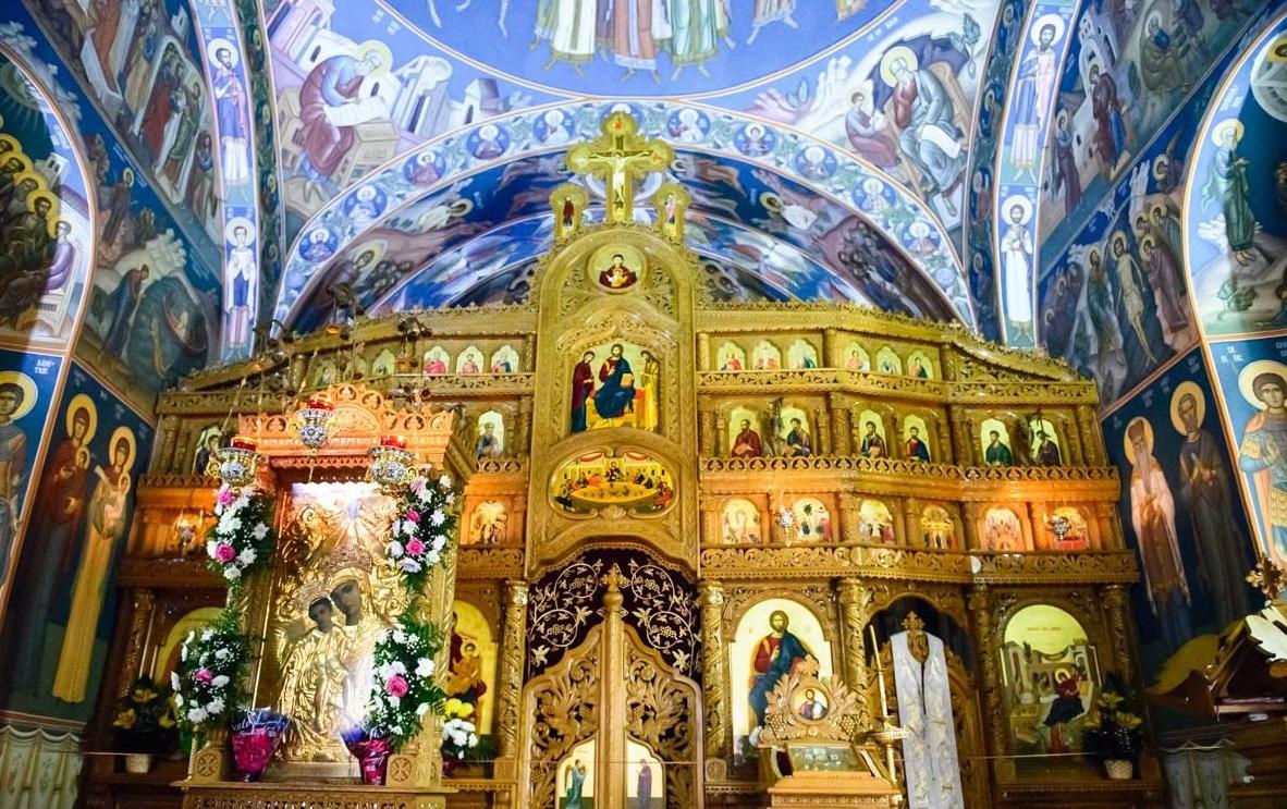 Icoana cu mir și miracolele de la mănăstirea Hadâmbu! Mare putere are! Povestea icoanei făcătoare de minuni a Maicii Domnului de la Mănăstirea Hadâmbu