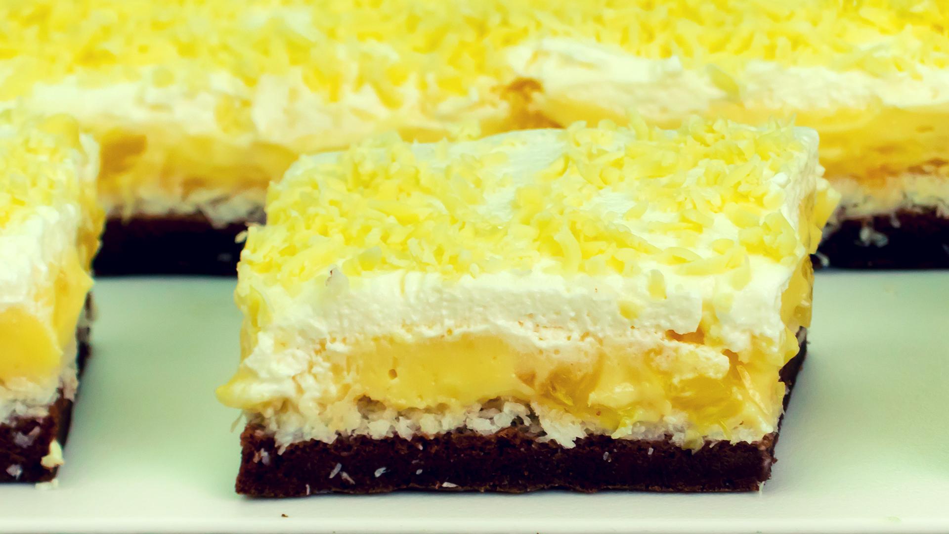 Vei înțelege de ce este atât de populară, doar după ce o vei gusta – prăjitura Floare de colț!
