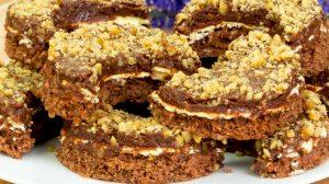 Semilună cu nucă și cremă – o prăjitură cremoasă, aspectuoasă, cu un gust fin și aromat