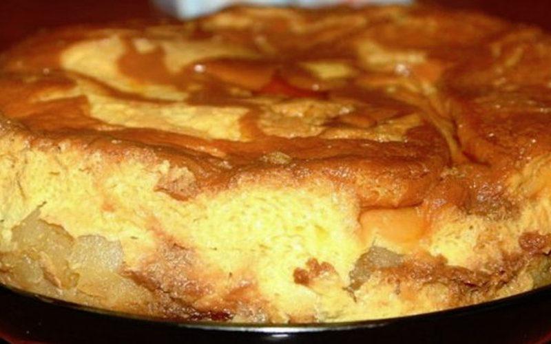 Tort cu mere și cremă de zahăr ars- un desert adorat de toți