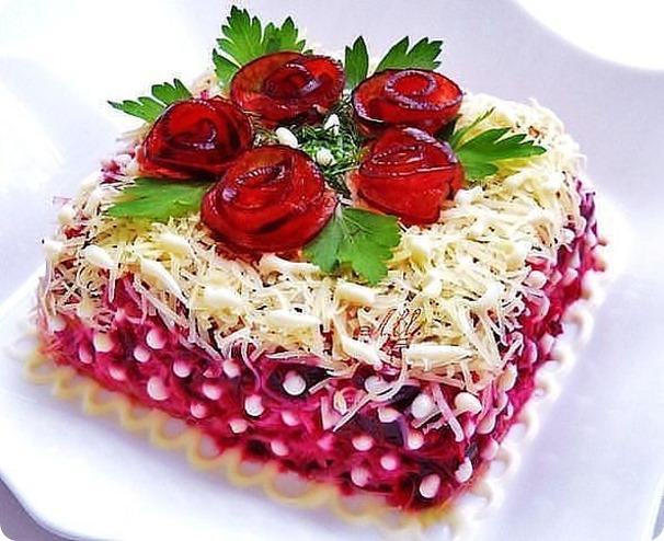 """Salata """"Trandafiri din sfeclă roșie"""" – o rețetă spectaculoasă, care merită toată atenția!"""