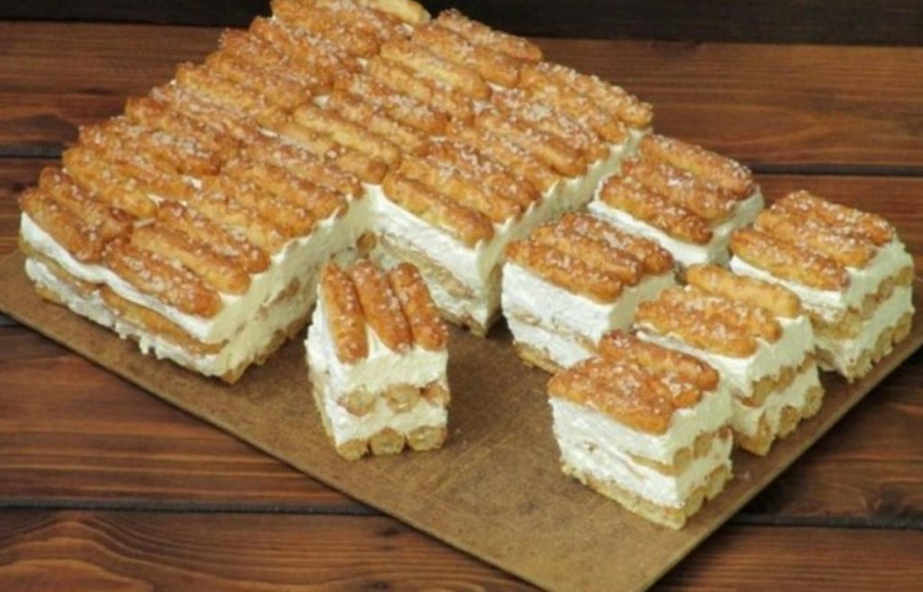 Prajitura cu mascarpone gata in 10 minute- O prajitura de casa extrem de delicioasa si racoritoare pe care o poti pregati rapid