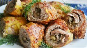 Rulouri delicioase din carne tocată, cu ciuperci – delicioase de te lingi pe degete!
