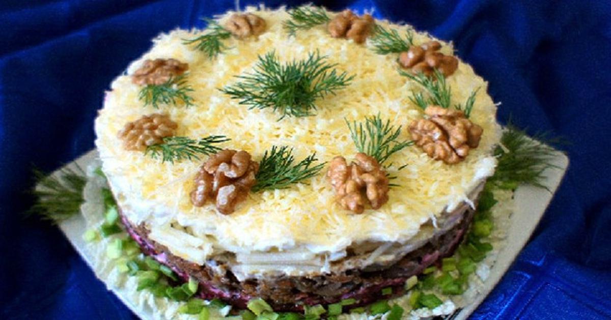 """Salată """"O seară de iarnă"""" – un aperitiv rafinat pe masa de sărbătoare!"""