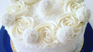 """Tort """"Fulgușor de nea"""" – un desert fin și original! Perfect pentru Sărbătorile de iarnă și nu numai!"""