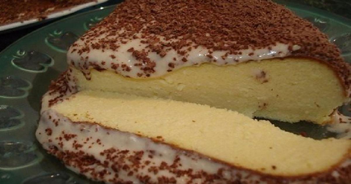 Budincă aerată din brânză la cuptor. Aceleași ingrediente, dar modul de preparare transformă acest desert simplu într-o bomboană!