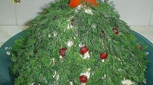 Rețeta de salată cu carne și ciuperci pentru masa de Crăciun și Revelion. Nu va rămâne nimic în farfurie!
