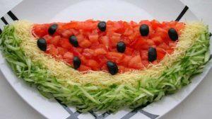 """Preparați salata """"Pepene verde"""" – are un aspect original și un gust superb!"""