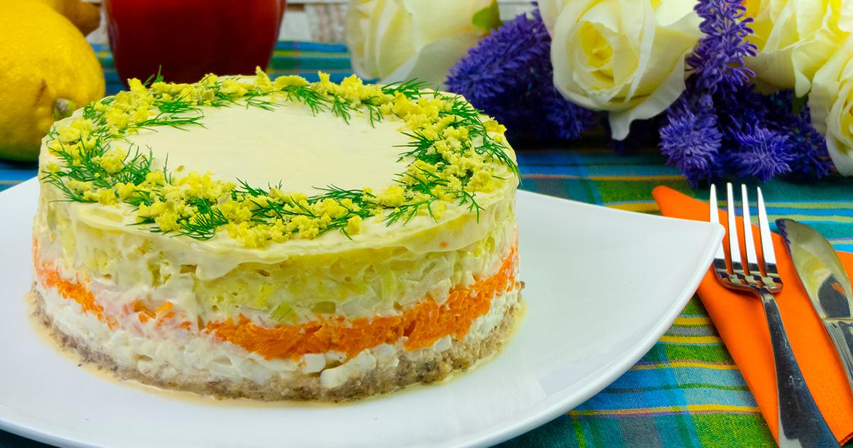 """Salată """"Mimoza"""" – o salată de Sarbarori facuta în straturi si cu un gust uimitor!"""