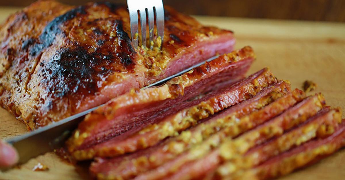 Cum să prepari o bucată de carne întreagă la cuptor. Un super truc atât pentru gospodinele cu experiență, cât și pentru cele începătoare
