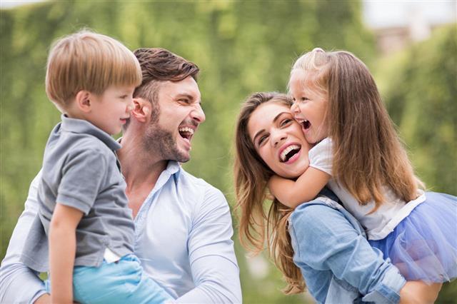 Copii care sunt iubiți devin adulți care pot iubi. Adevăruri simple pentru toți părinții