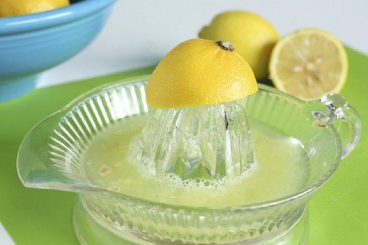 Remedii cu lămâie pentru detoxifiere şi scăderea greutăţii corporale