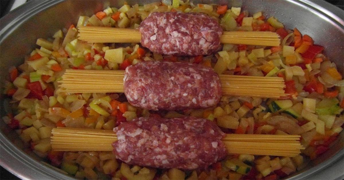 Paste cu carne tocată – este mâncarea iubită de toți bărbații. Iată cum o faci într-un mod cu totul nou și interesant!