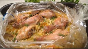 Varză cu carne de pui la cuptor – o cină pentru gospodinele ocupate!