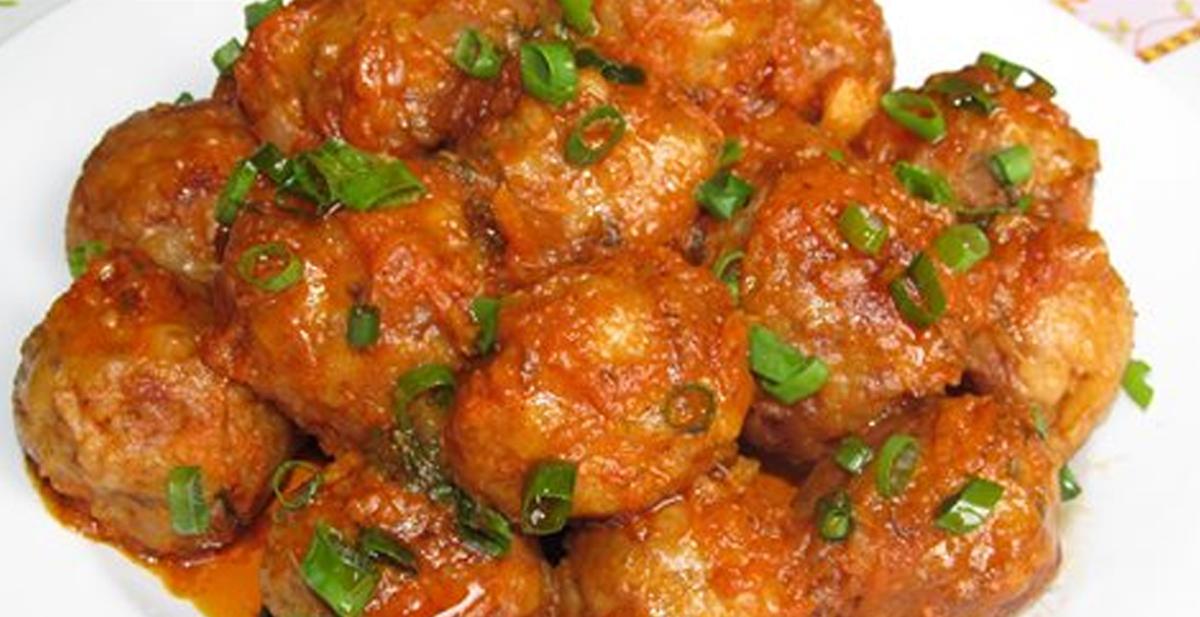 Perișoare rumene și suculente, cu griș – un ingredient banal, ce face minuni! Un fel de mâncare demn de masa de sărbătoare!