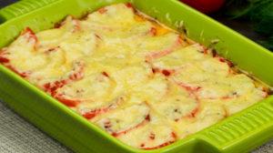 Rețeta asta o pregătesc de fiecare dată când aștept oaspeți – legume cu piept de pui la cuptor!