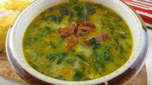 Un preparat de primăvară : ciorbă ardelenească cu salată