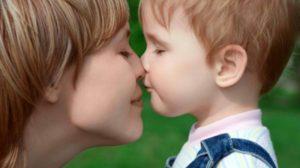 10 motive pentru care mamele de băieți sunt mai fericite