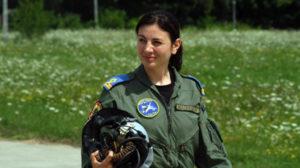 Suceveanca Simona Maierean, prima femeie-pilot de supersonic din România
