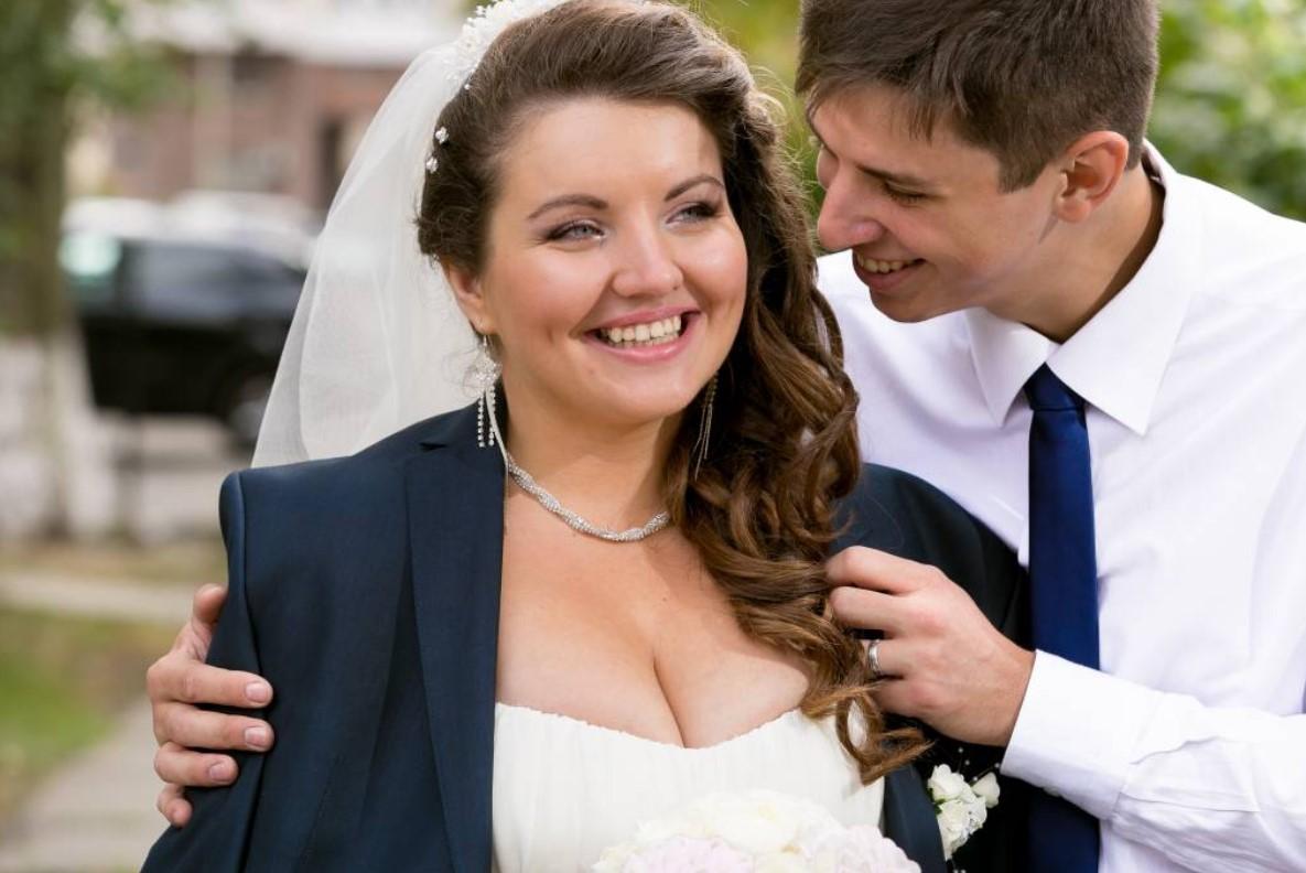 Bărbații care se căsătoresc cu femei plinuțe trăiesc mai mult și sunt mai fericiți